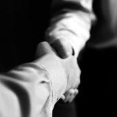 Hände schütteln als Geste der Zustimmung